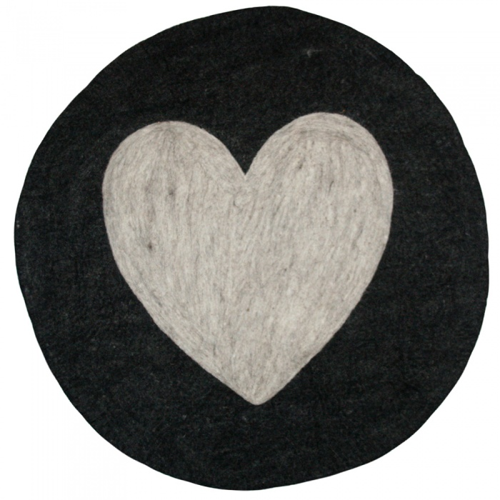 Round heart carpet